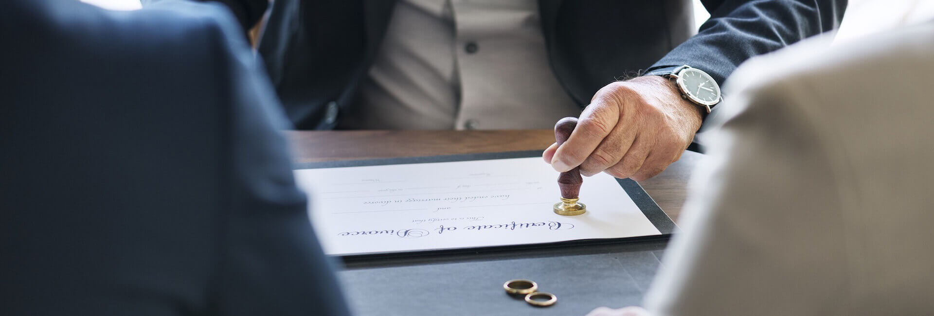 avocat iasi divort ordin protectie stabilire domiciliu minori